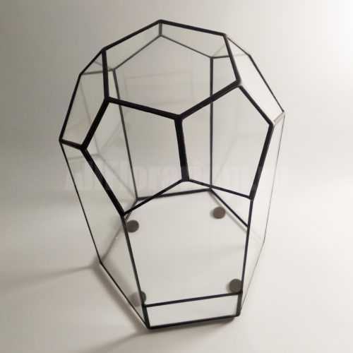 Геометрическая ваза для флорариума в виде шестигранной призмы с куполом